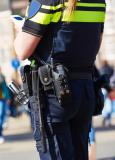 Wie of wat controleert de politie?